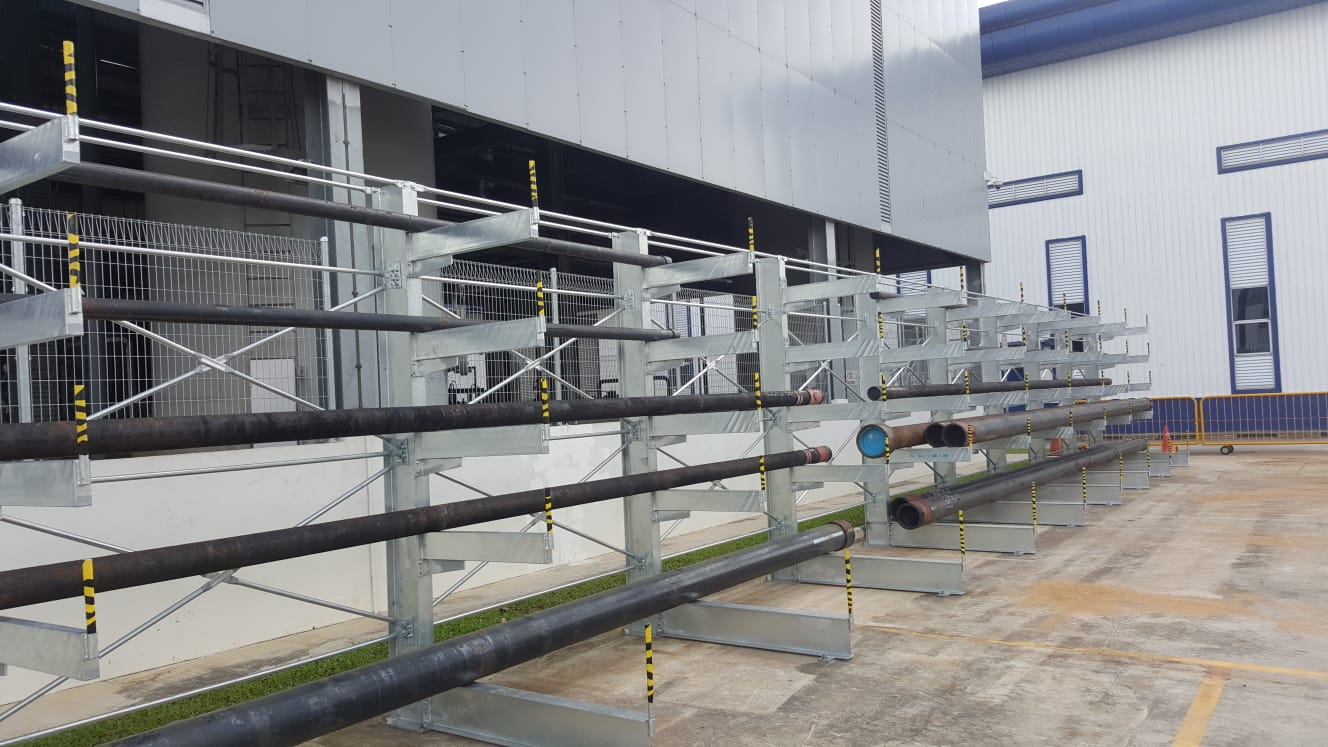 Hot Dipped Galvanized Cantilever-1
